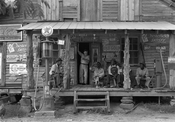 Dorothea_Lange,_Country_store_on_dirt_road,_Gordonton,_North_Carolina,_1939