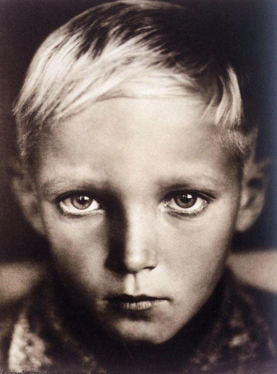 Erna Lendvai Dricksen-Head of a Child-1938