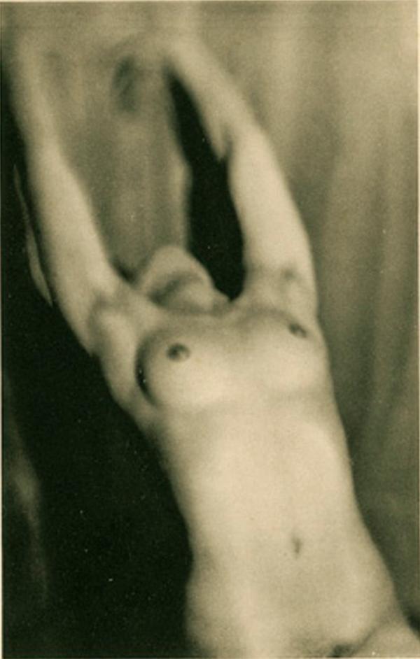 germaine-krull6-etude-de-nu-1930-via-artizar